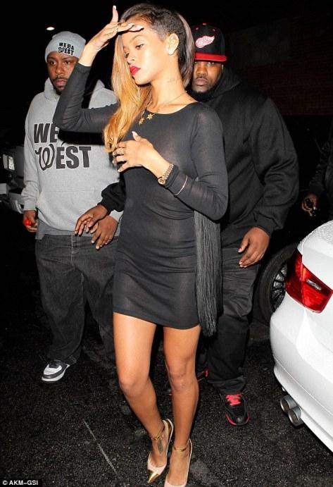 Rihanna-Paps1