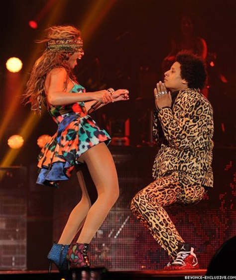 Beyonce-in-Kenzo-Spring-2013