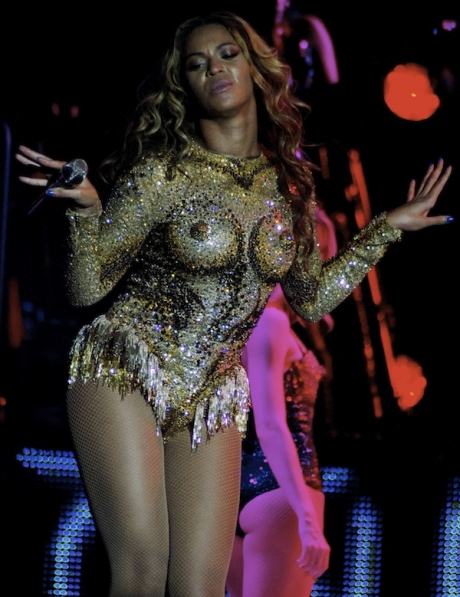 beyonce-mrs-carter-show-tour