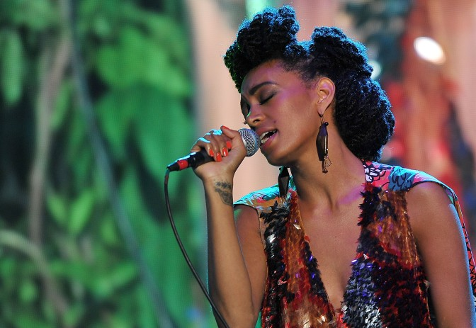 SOLANGE HITS THE STAGE IN MILAN FOR GLAMOUR LIVE SHOW