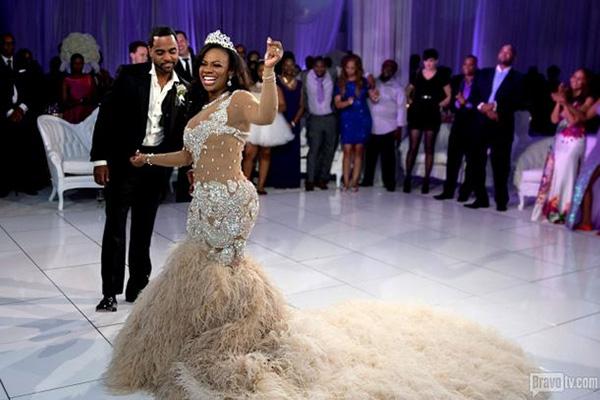 Kandi Burruss wears 20000 wedding dress in first photos